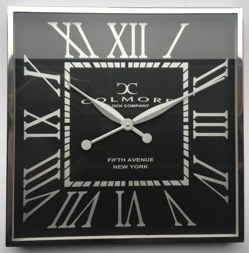 Wanduhr 60x60cm, schwarz, vernickelt